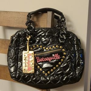 Betseyville Black Heart Quilted Purse